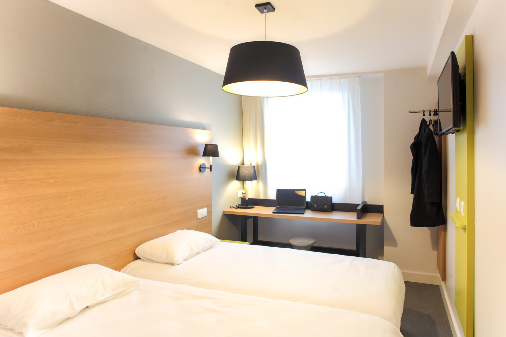 H tel reseda paris votre h tel paris for Hotel paris chambre 5 personnes